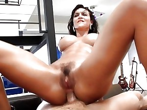 Good-looking Franceska James is a squirting outfit