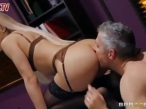 Office gonzo fucking on manager mp4