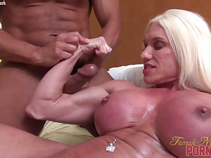 Ashlee Chambers Gets Her Biceps Fucked