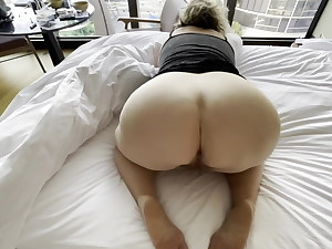 Fucking my wife in the Hotel