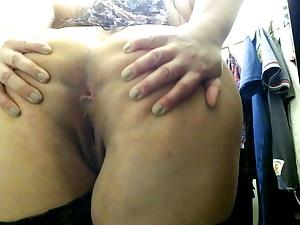 Hot curvy cougar get wild in wardrobe